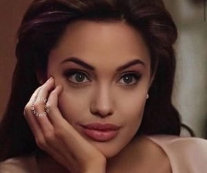 Angelina Jolie, gif, and mr and mrs smith image