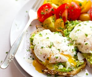 Poached eggs & avocado on toast