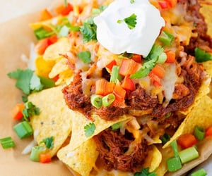 Slow cooker bbq chicken nachos