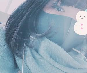 女の子, マフラー, and 青 image