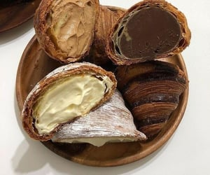 delicious, french, and petit pain image