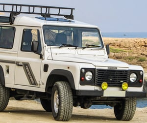 defender, land rover, and SUV image