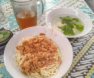 chinese food, noodle, and indonesian food image