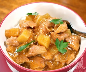 curry, slow cooker, and delicious image