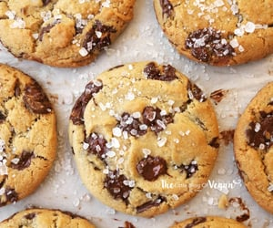 The Best Vegan Chocolate Chip Cookies | The Little Blog Of Vegan