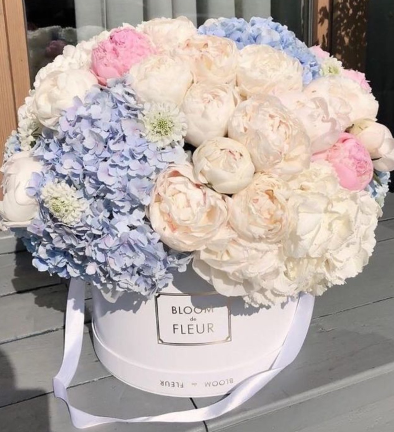 flowers, luxury, and peonies image