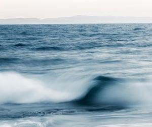 Ocean in motion 1/6