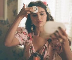 selena gomez and singer image