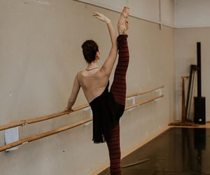 Georgeta Varvarici by @nadyaglo at Berlin State Ballet