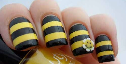 How to make bumble bee nail art design info korners prinsesfo Image collections