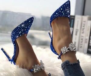 Blue Heels 👠 👠@_Naina