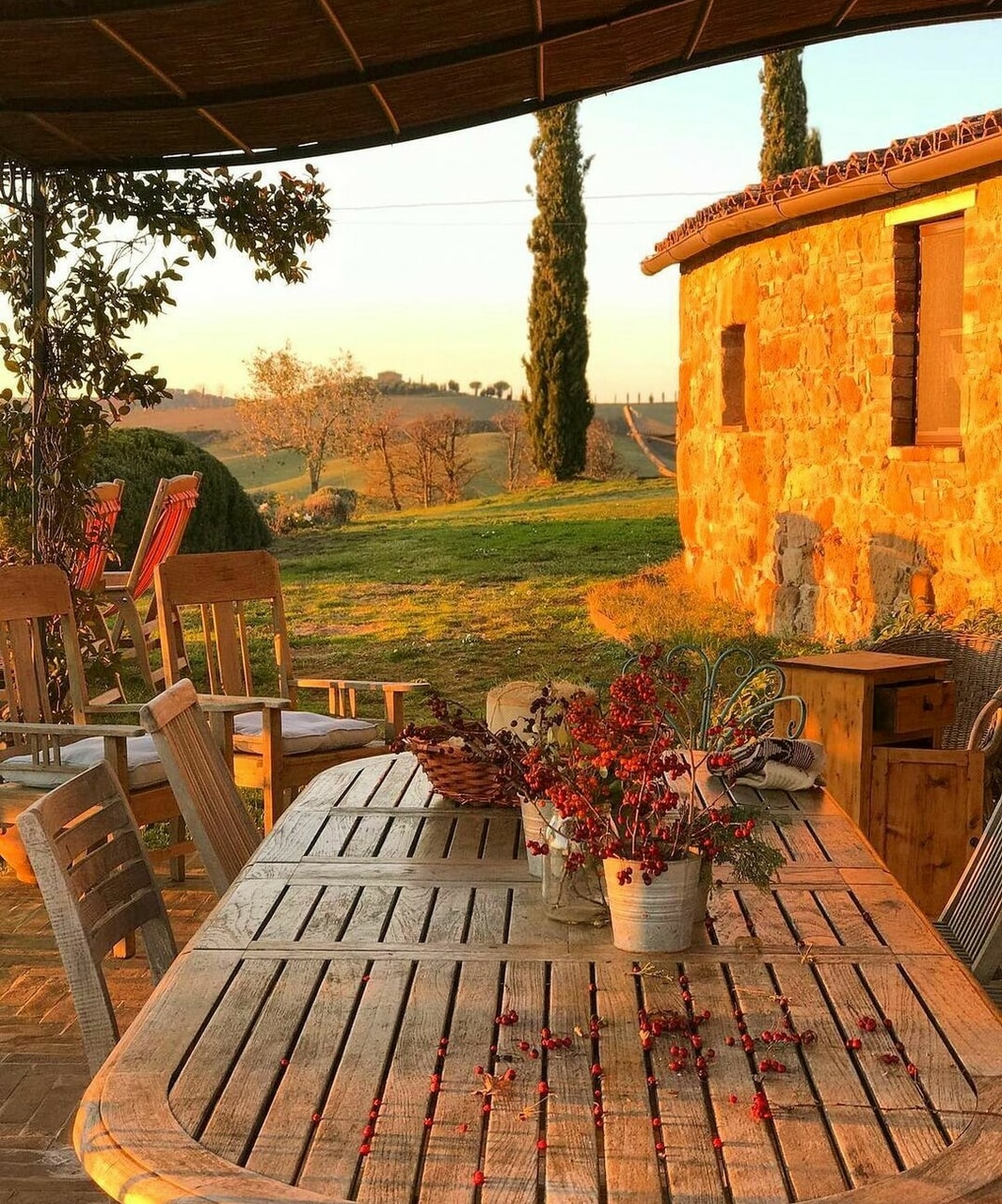 backyard, evening, and italy image
