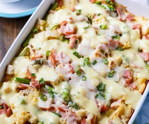 Eggs benedict casserole - Nom-Food!