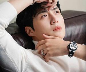 seon ho, kim seon ho, and he's the cutest image