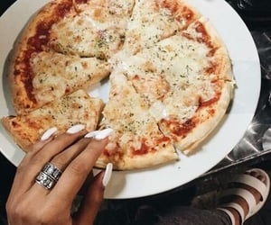 breakfast, pizza, and tomatoes image