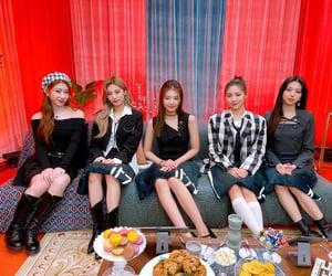 kpop, chaeryeong, and lia image