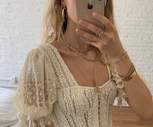 aesthetic, blonde, and hands image