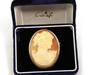 Large Carved Shell Cameo Brooch Gold Plated Silver 900 image 0