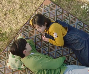 couple, kdrama, and picnic image
