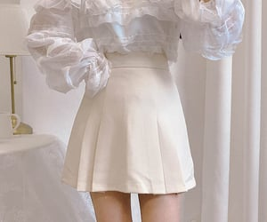 asian fashion, korean fashion, and pleated skirt image