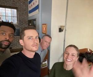 chicago pd, jesse lee soffer, and laroyce hawkins image