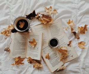 Books & Coffee 🍁 🍂 INSTA: @tanheedah