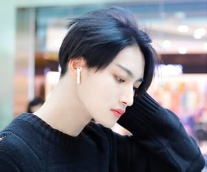 style, airport fashion, and park seonghwa image