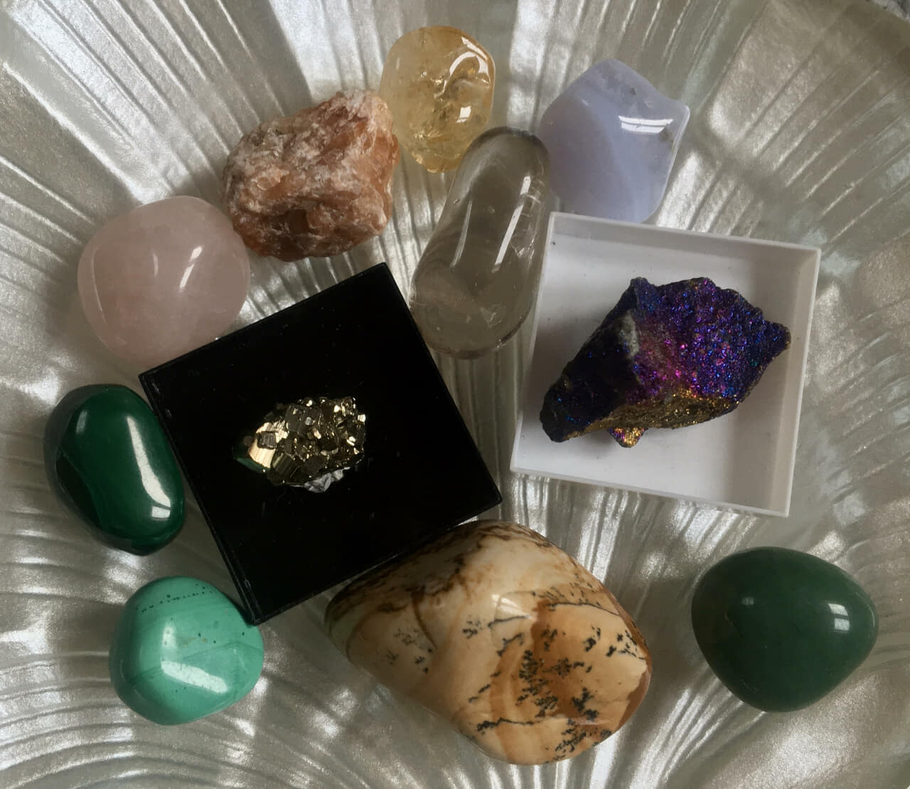 citrine, energy, and feng shui image