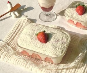 food, aesthetic, and strawberry image