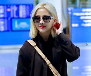 airport fashion, soyeon, and jeon soyeon image
