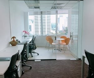 office, flexible office, and hotdesk image