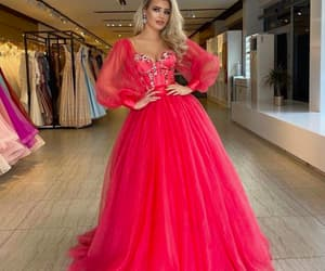 vestido de fiesta, prom ball gown, and beaded prom dress image