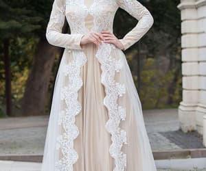 wedding gown, robe de mariage, and vestido de noiva image