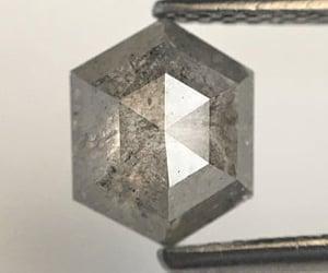 salt and pepper diamond and hexagon shape diamond image