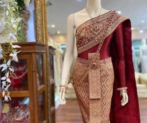 bride dress and thai wedding dress image
