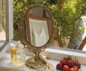 aesthetic, mirror, and strawberry image