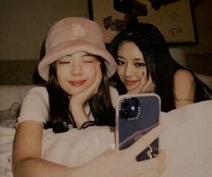 lia, yuna, and itzy image