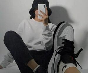 black, fashion, and chic image