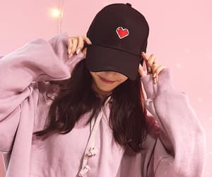 coeur, sourire, and casquette image