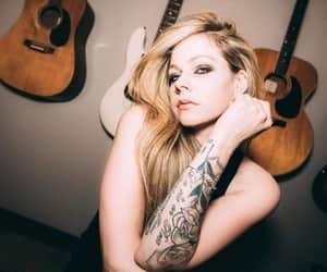 Avril Lavigne, belleza, and famosos image