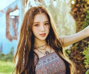 heejin, jeon heejin, and loona pics image