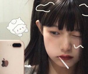 girl and weibo image