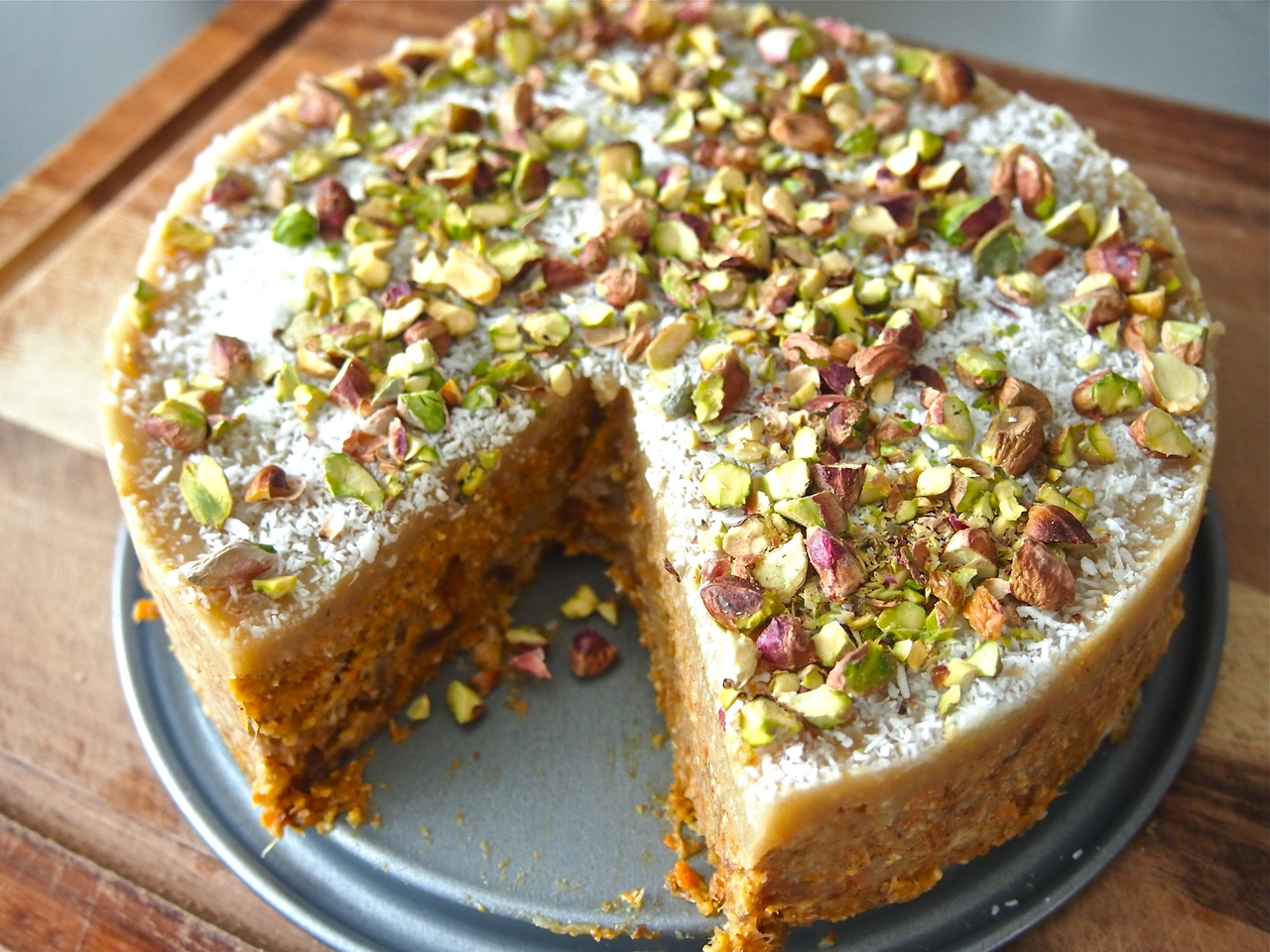 article and carrot cake image