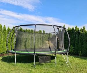 trampolina, trampoliny ogrodowe, and trampolina dla dzieci image