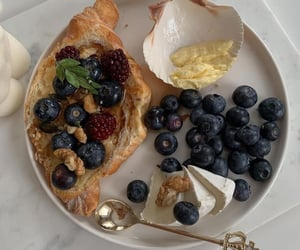 aesthetic, blueberry, and breakfast image