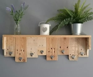 Shelf from wood pallet