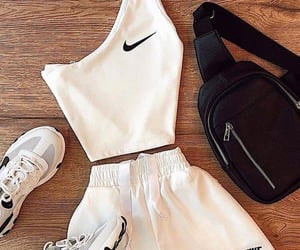 nike, outfit, and ejercicio image