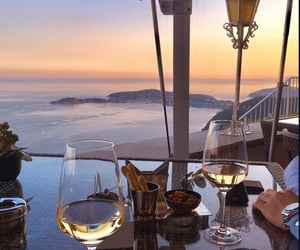 luxury and wine image
