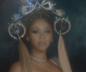 hair, makeup, and queen b image