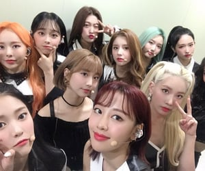 k-pop, hyunjin, and loona image